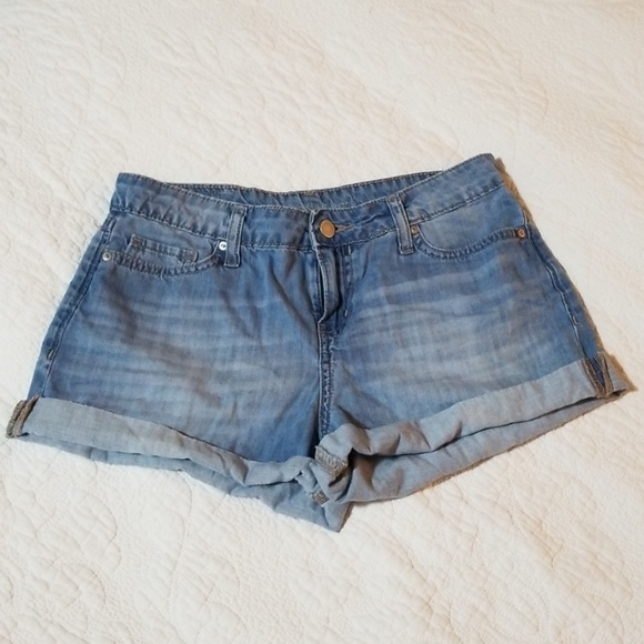 Calvin Klein Jeans Pants - Calvin Klein Med Wash Rolled Up Cutoff Shorts sz 2